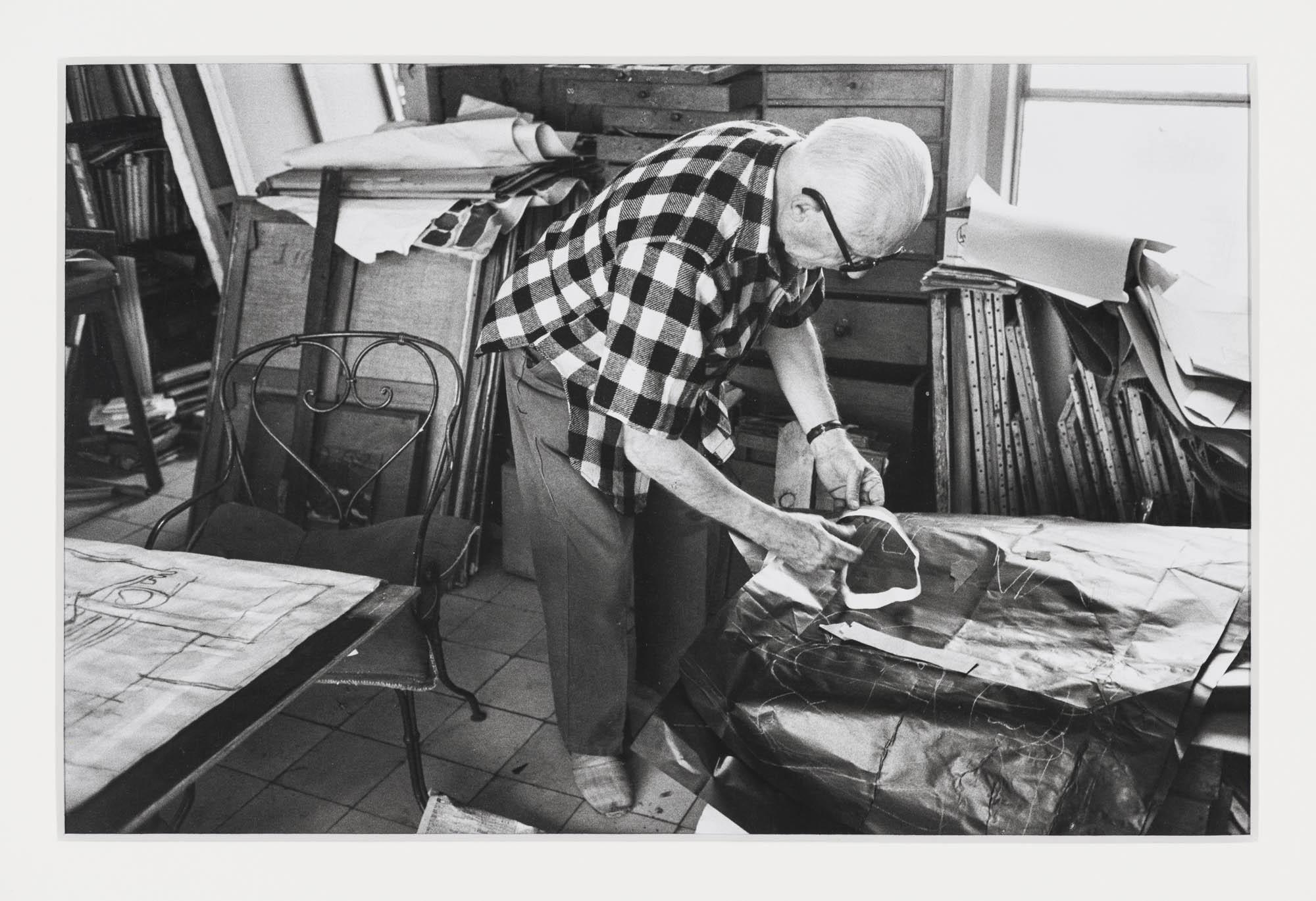 Le Corbusier in seinem Studio, 35 rue de Sèvres, Paris René Burri